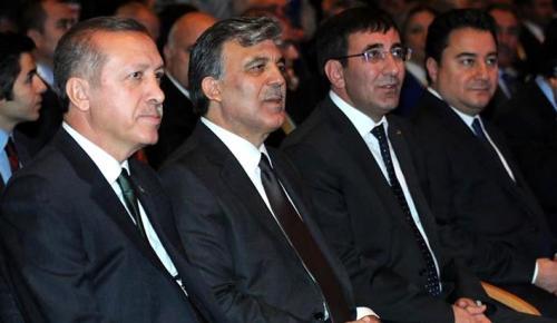 Abdullah Gül'ü desteklediğini açıklayan Ali Babacan'ın, Erdoğan için de imza verdiği ortaya çıktı!